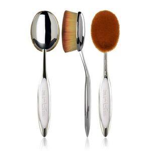 NEW! Artis Elite Mirror Oval 7 Brush